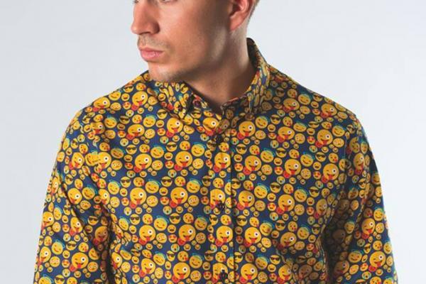 sinigual-camisas-v-2019AD29952B-D81F-4AF6-7815-B95D4DC8E8AA.jpg